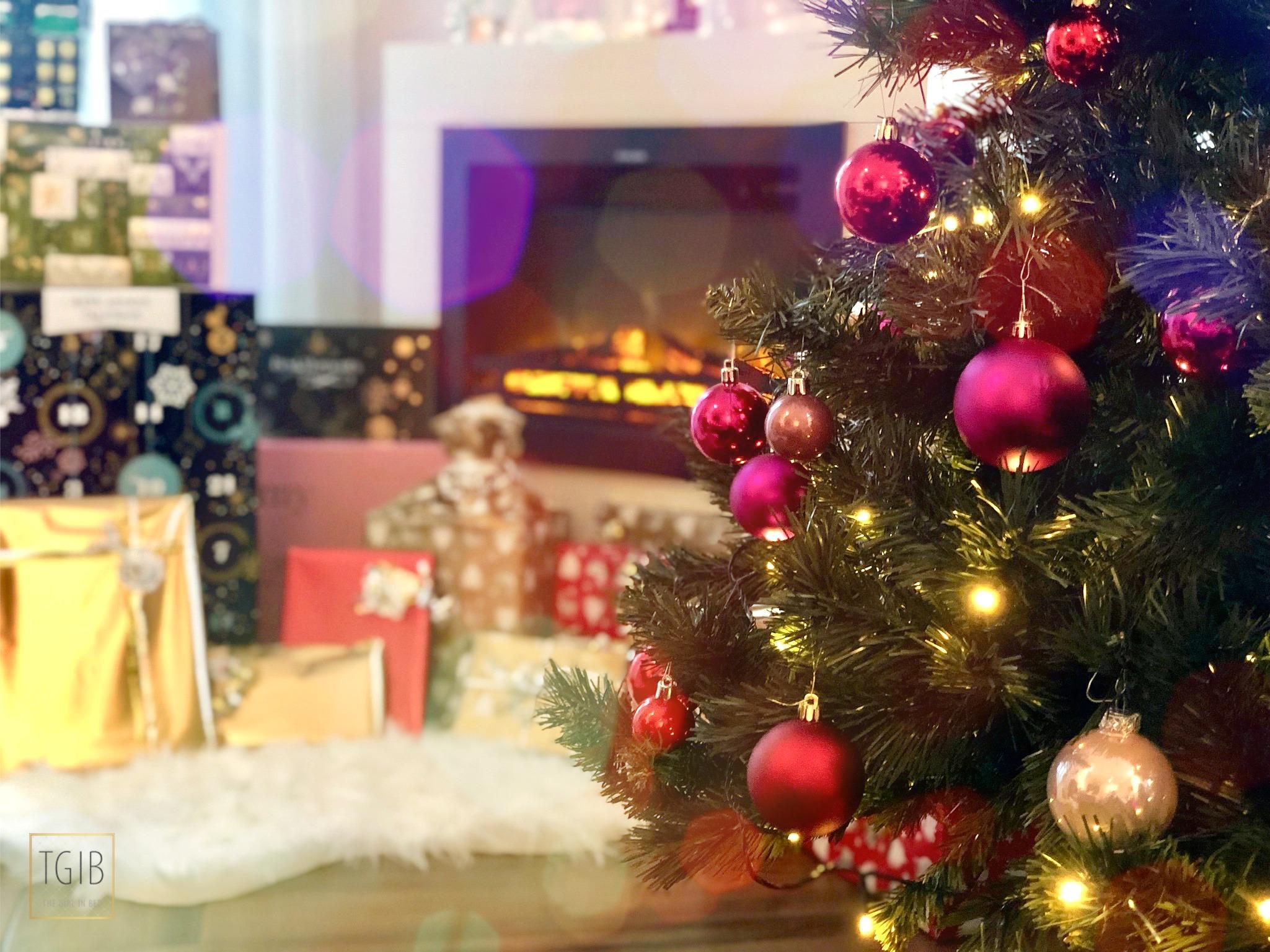 kerstboom met open haard, Christmas tree at a fireplace