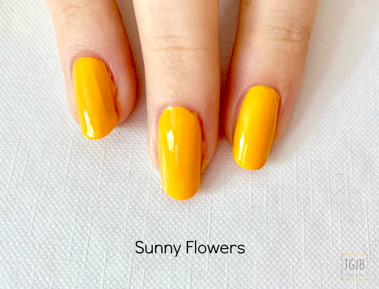 yellow nail polish Hema