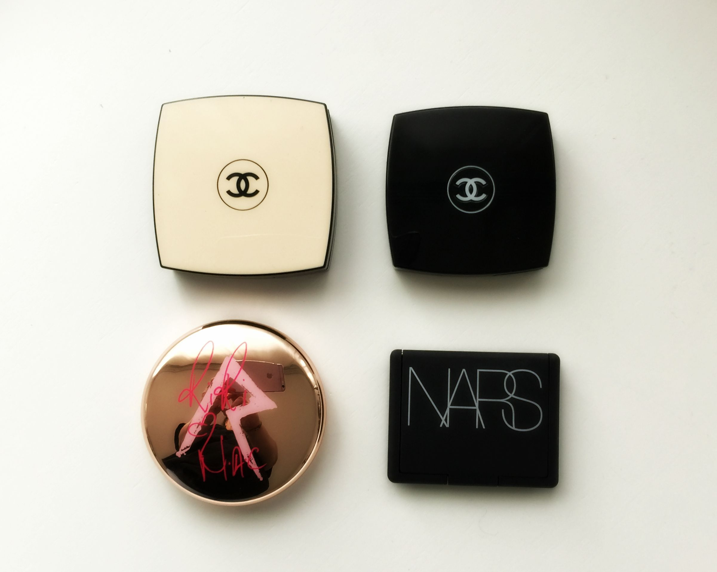 what's in my Chanel beauty bag wangen the girl in bed