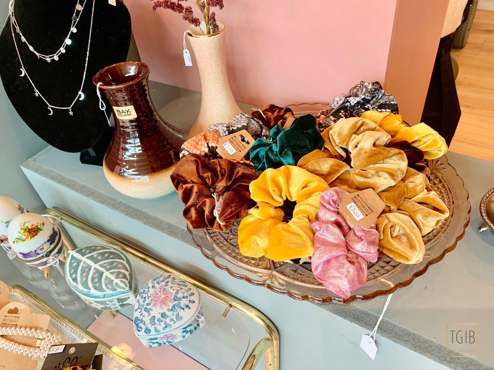 Hotspot: Thuis Bij Mau winkel scrunchies