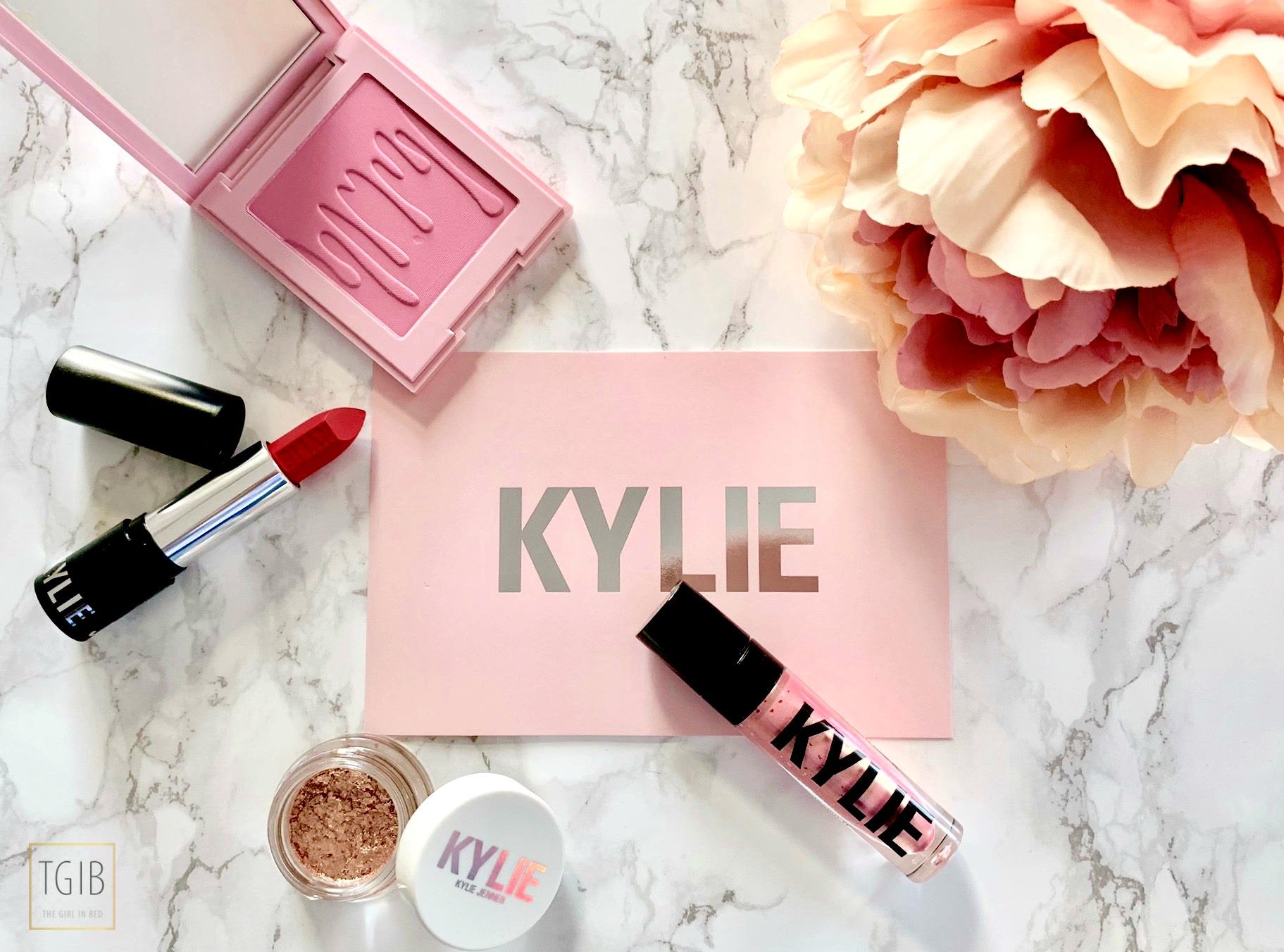 KylieCosmetics Shoplog flatlay