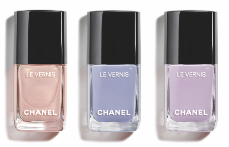 Chanel Lumiere Et Contraste nail polishes