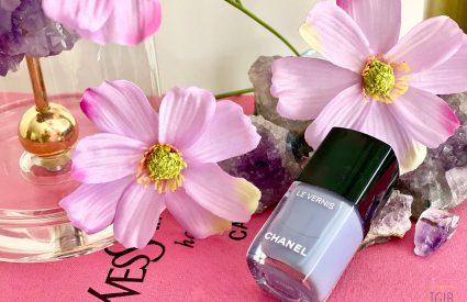 Chanel Open Air nail polish